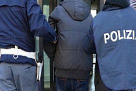 Tunisino esibisce carta d'identità falsa