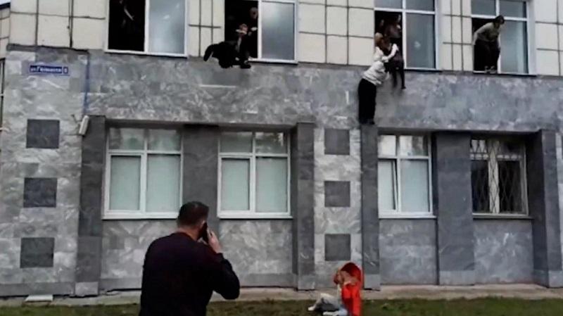 russia università assalto
