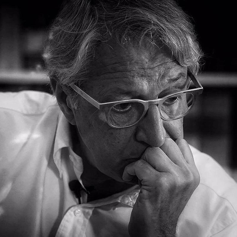 Davide Rampello è un grande direttore artistico e un grande milanese, oltrechè regista televisivo. Fra le tante cose fatte, è stato presidente della Triennale di Milano per ben 8 anni, poi ha curato il Padiglione Zero all'Expo 2015 di Milano.